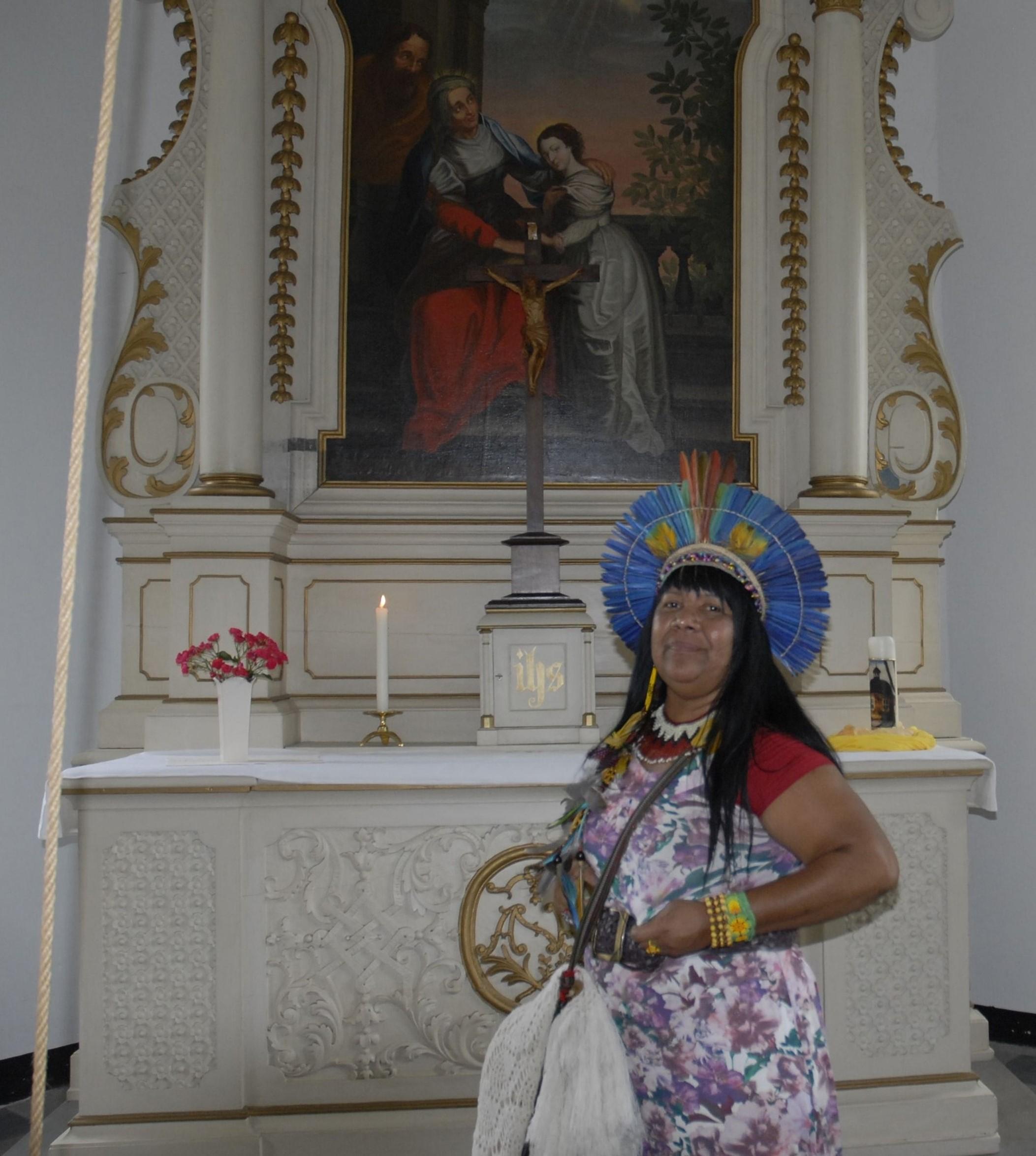 Analia-in-der-St-Annen-Kapelle-Heessen