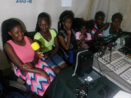3 Basimbi Radio